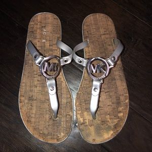 Michael Kors preloved cute flip flops